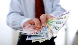 Хто в Німеччині заробляє більше, ніж канцлер?