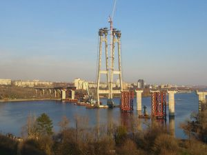 В Запорожье Служба автодорог объявила тендер на строительство моста через Днепр