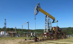 Видобуток нафти зростає,  а покупців немає