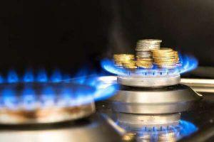 На пальне ціни не падають, і газу у сховищах поменшало