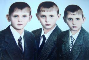 Навіть батько не міг розпізнати синів-близнюків...