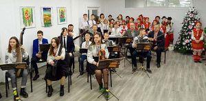 В Заводской громаде открыли обновленную школу искусств