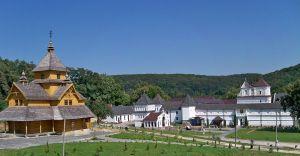 Уневский монастырь: По пути монахов
