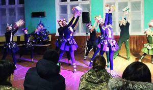 Жители Новой Каховки поздравляют 57 ОМПБр с праздниками