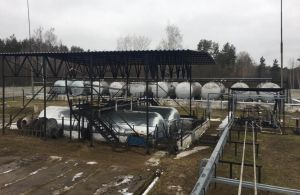 В Сумской области выявили три подпольных мини-завода, на которых «бодяжили» разное горючее