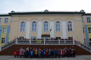 На Донеччині дві опорні школи відчинили двері