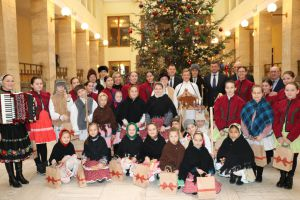 На Василя в Ужгороді колядували діти зі Словаччини
