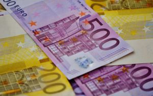 У Греції знову підвищать «мінімалку». Економіка  дозволяє