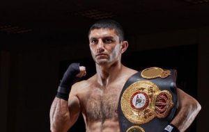 Бокс: Далакян  у складному бою захистив титул