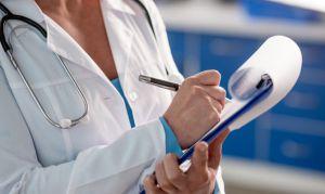 Подружить подростка с семейным врачом