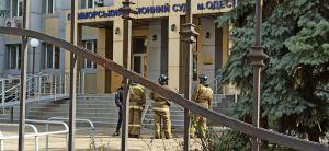 В Одесі у заручниках опинилися судді та конвоїр