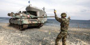Грецькі силовики готуються відбивати атаки біженців