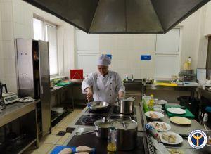 Неформальне навчання кухарів з усієї України оцінюють у Рівному