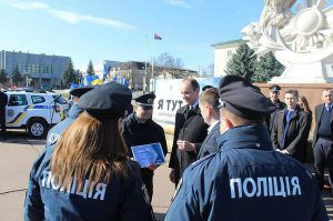У Хмельницькій області розпочався проект «Поліцейський офіцер громади»