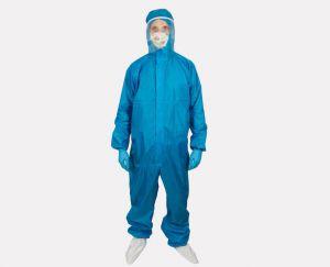Чернігівська фабрика почала випускати захисні костюми для медиків