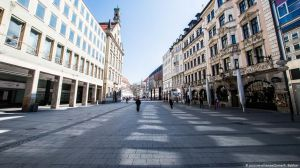 Польща: більше двох не збиратися