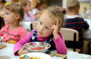 Чому школи та дитсадки Глибокої в зоні харчової небезпеки?