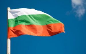 Болгария: Запрет ходить без масок просуществовал всего один день