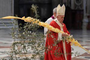 Папа Римський закликав в умовах пандемії «серйозно ставитися до того, що серйозне, не губитися в дріб'язкових речах»