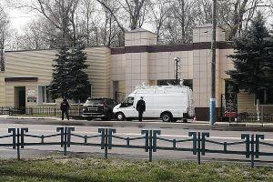 Карантин на Брянщині: кладовища перекриті вантажівками