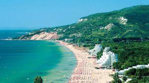 Туристичний сезон у Болгарії мають намір розпочати з 1 липня