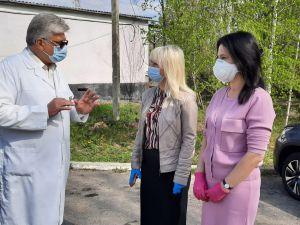 Ірина Борзова: «Наша головна мета, щоб медики були захищені, а проблемні питання вирішуються у взаємодії представників влади, депутатів і медиків»