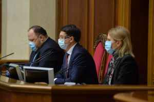 Підтримали законопроекти про страхування медиків та збільшення тестування на коронавірус