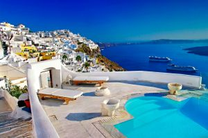 У Греції відпочиватимуть за спеціальних умов