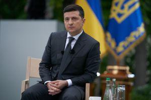 Володимир Зеленський: ''Ми будемо відповідати, але перші стріляти ми не будемо''
