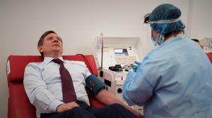 Народний депутат України Сергій Шахов здав плазму крові