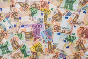 На порятунок направлять 750 млрд євро