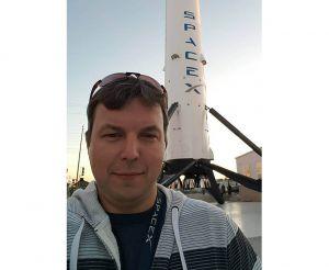 Підкорювати космос Ілону Маску допомагає житомирянин