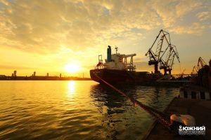 У ГП «Морской торговый порт «Южный» новый исторический максимум!