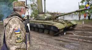 В «Десне» учат танкистов, как водолазов