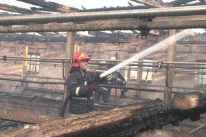 В Хмельницкой области молнии сжигают фермы и здания