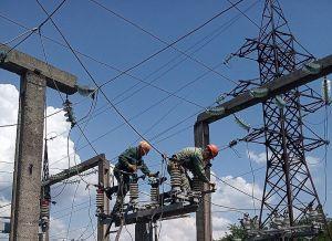 В Немовичах энергетики реконструируют линию, в Сарнах отремонтировали подстанцию
