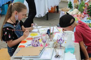 Июнь созвал мастеров на праздник в Житомире