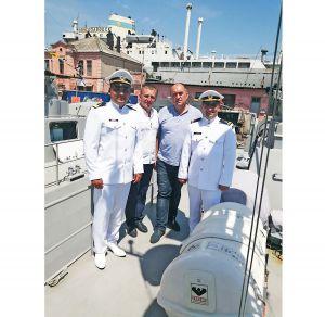 Екіпаж катера «Малин» привітали зі святом