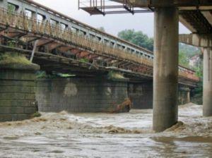 Львівщина: Просять відновити будівництво захисних дамб