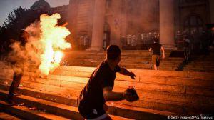 В Сербии не стихают уличные протесты