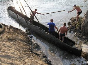 Такими човнами ходили з варяг у греки