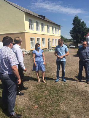 У довгобудів Івано-Франківщини з'явився шанс перетворитися  на добротні заклади