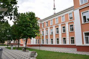 В Чернигове престижная школа стала теплее