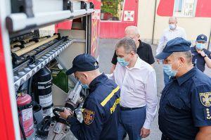 Автомобіль першої допомоги подарували рятувальникам Вінниці