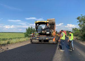 Дніпропетровщина: Шляховики одночасно працюють на різних ділянках