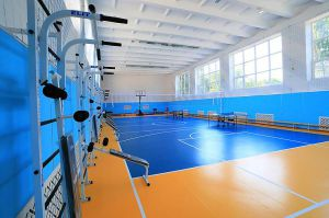 Школьники не узнают обновленный спортзал