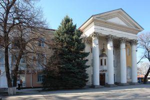 Оккупанты выселяют храм ПЦУ в Крыму, Украина призывает расширить санкции против РФ