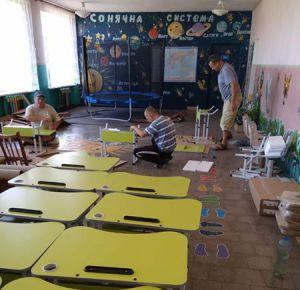 Першачкам Станично-Луганського району — сучасні меблі