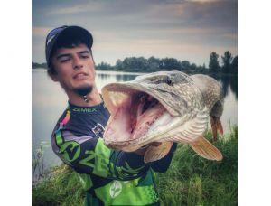 Черниговец cловил рыбу-великана