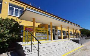 Утеплили и украсили школы в Луганской области